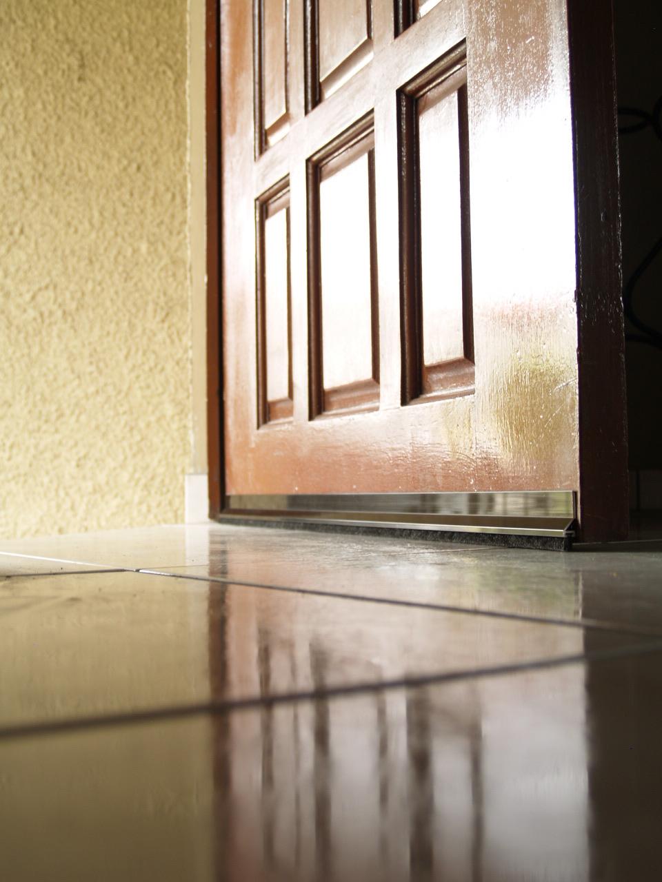 Ferreteria inco escaleras - Burlete para puertas ...